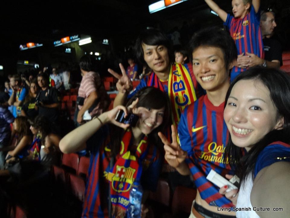 Japanese students at FCB Stadium
