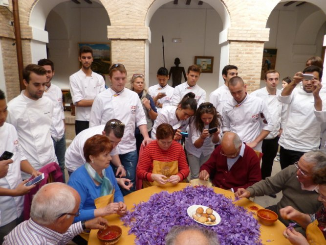 Students of International Cooking School