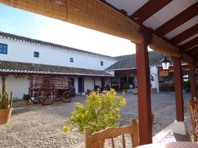Venta El Quijote, patio
